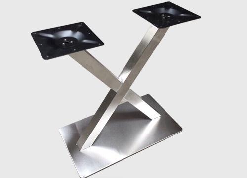 chân bàn sắt inox