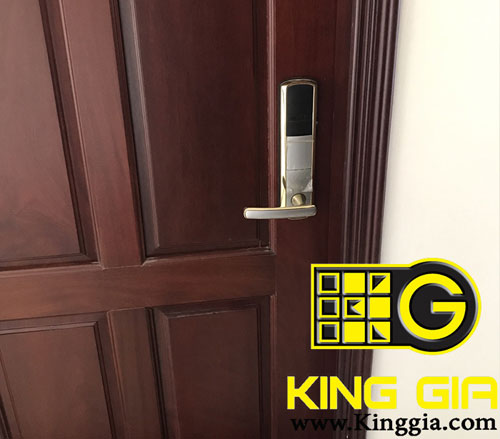 khóa điện tử khách sạn Adel